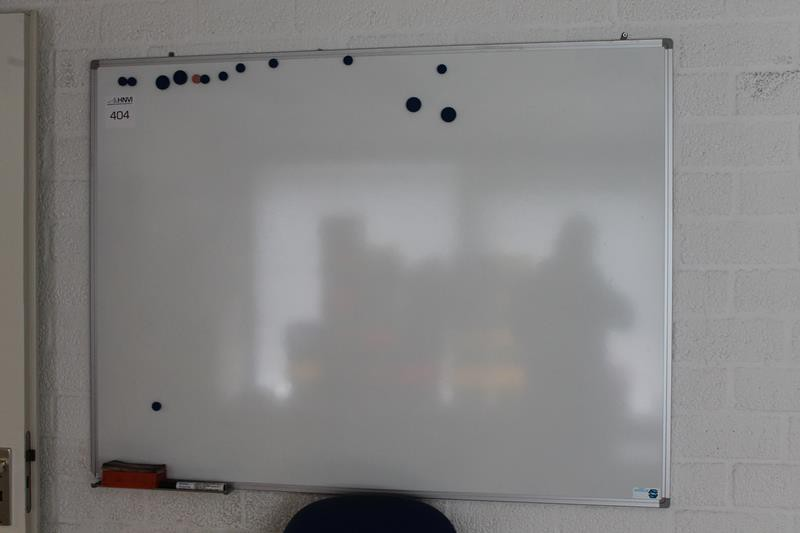 whiteboard met afmeting 120 x 90 cm hnvi veilingen. Black Bedroom Furniture Sets. Home Design Ideas