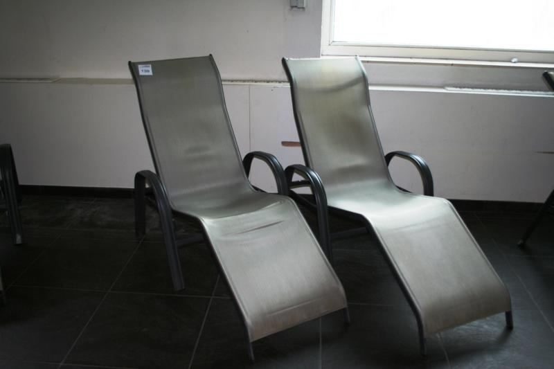 Ligstoel Tuin Aluminium : Twee aluminium ligbedden alivida kantelbaar. hnvi veilingen